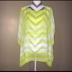 Ladies NWOT Lightweight Poncho by Chico's S/M